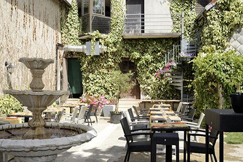 515353_hotel-restaurant-le-tadorne-galerie-terrasse01