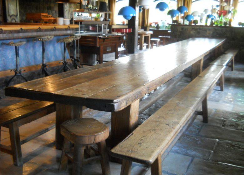 567060_table_bar